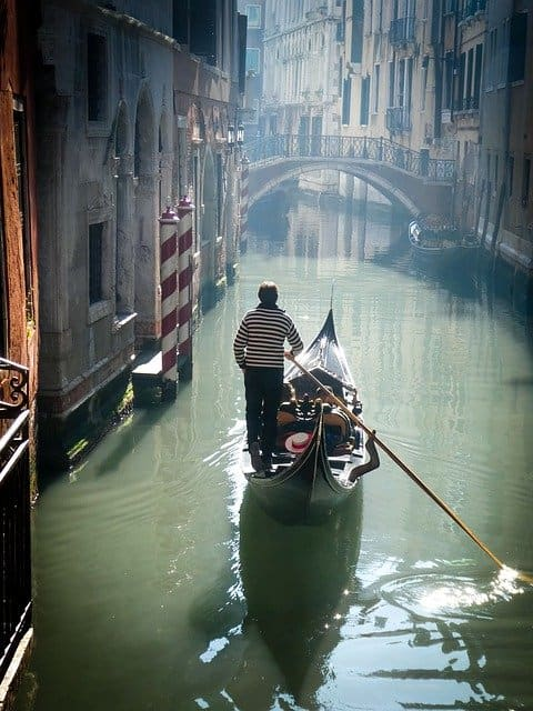 Balade en gondole pour savoir que faire à Venise