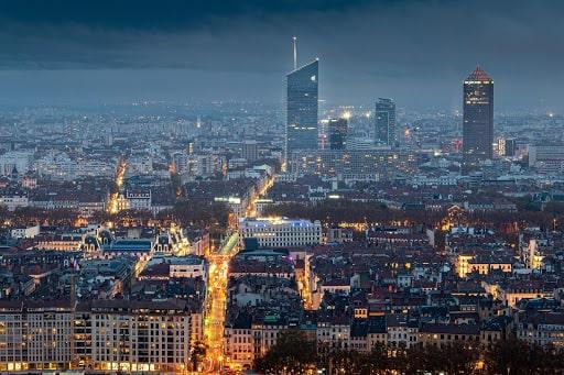 vue de Lyon de nuit durant un séjour d'un jour