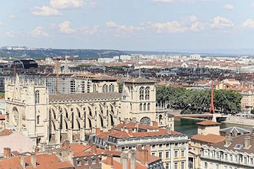 Un tour dans la Cathédrale Saint-Jean pour vos 4 jours à Lyon
