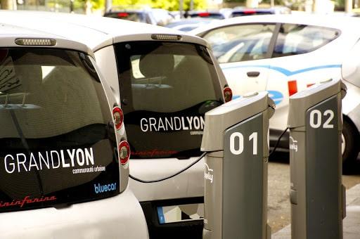 Location de voiture électrique à Lyon