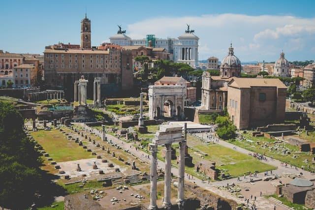 Le Forum Romain au cœur de Rome