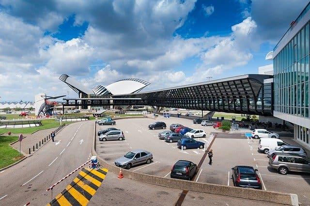 Utiliser le covoiturage pour rejoindre Lyon depuis l'aéroport