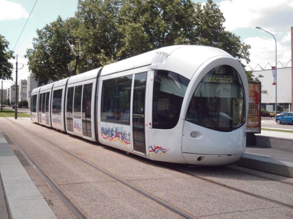 Rejoindre Lyon par tramway depuis l'aéroport