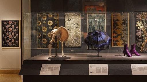 Visitez le Musée des Tissus quand il pleut à Lyon