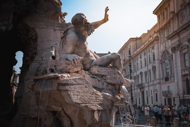 Allez à la Piazza Navona pour vos 4 jours à Rome