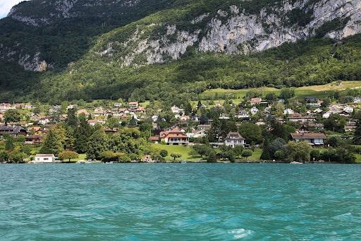 Le lac d'Annecy durant vos 1 jour