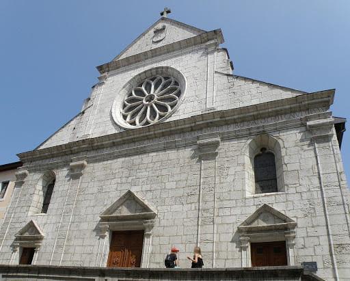 Découvrir la cathédrale Saint Pierre durant 4 jours à Annecy