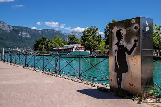 Une balade à la bordure du lac d'Annecy