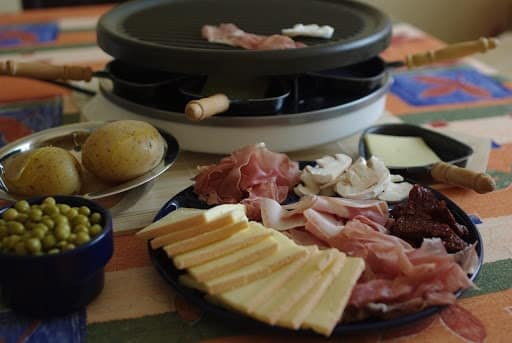 Savourer la cuisine savoyarde à Annecy