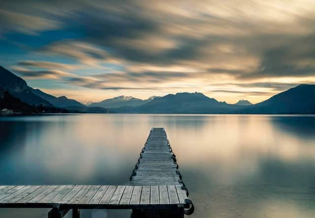 Le calme du Lac d'Annecy, un paysage en France qui fait rêver